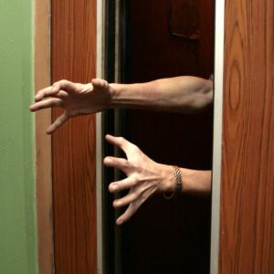 У ЖЭКа длинные руки, запущенные в карманы беззаботных жильцов