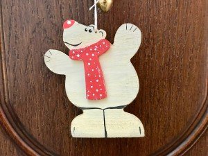 Медведь - новинка сезона украшений 2018 года