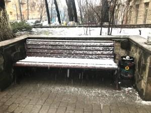 Наша лавочка под мартовским снежком