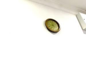 Часы стоят, а время идёт...