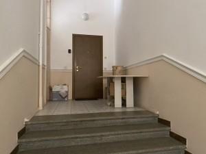 Парадная лестница или парадный склад?