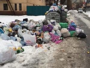 """После каждой такой """"ярмарки"""" на улицах - груды мусора!"""
